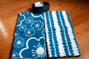 Blue & white cotton prints for the tote bag.