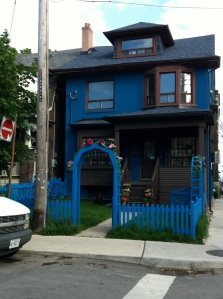 The lovely blue house of Jewel Envy