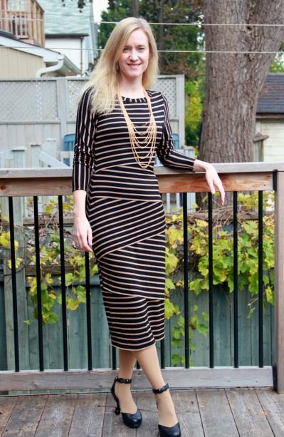 Vogue 8904 dress