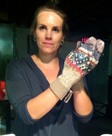 LED_mittens_Erin_Lewis