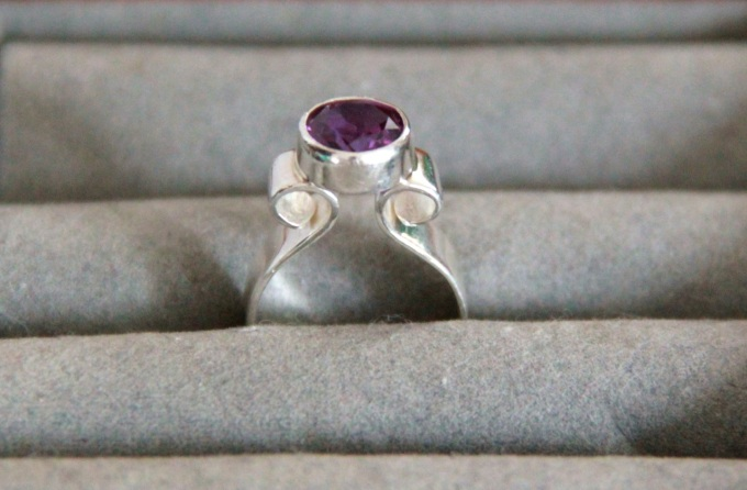 Silver Curlicue Ring with Amethyst CZ