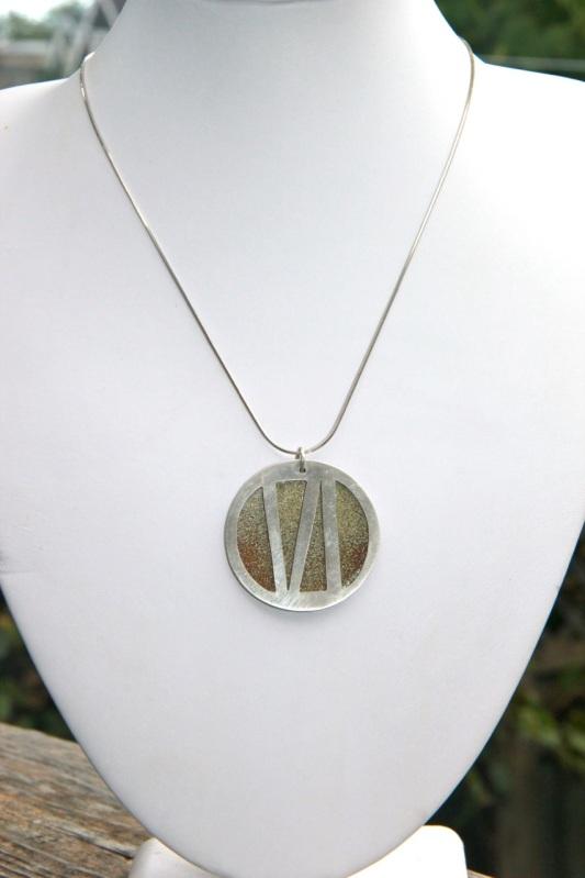 silver_enamel_medallion2