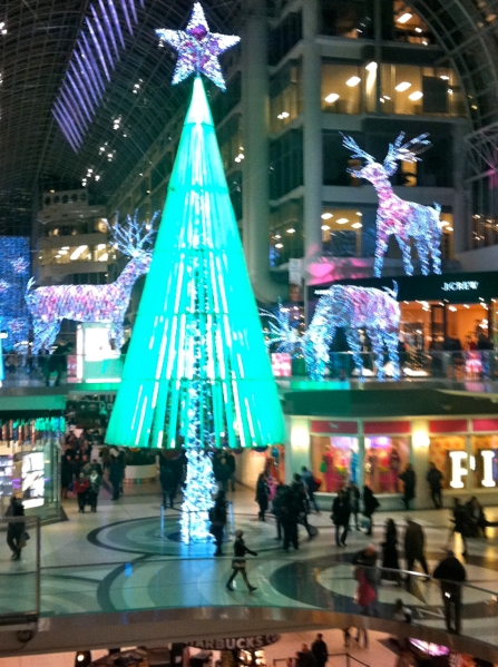 Christmas_EatonCentre