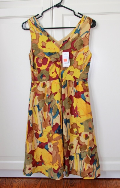 Lovely silk dress. Original price: $140. Bought at a second-hand shop in a shi-shi NYC neighbourhood for $20. Bargain? Nope. Waist is too high, it needs a belt that I don't have, and the colour isn't great for me.