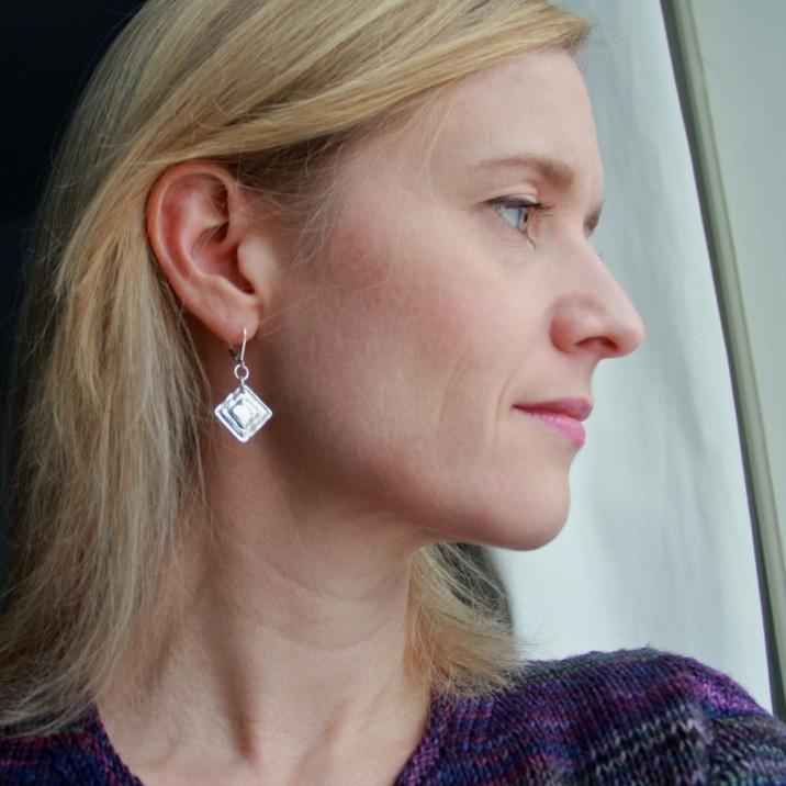 triangle_earrings1