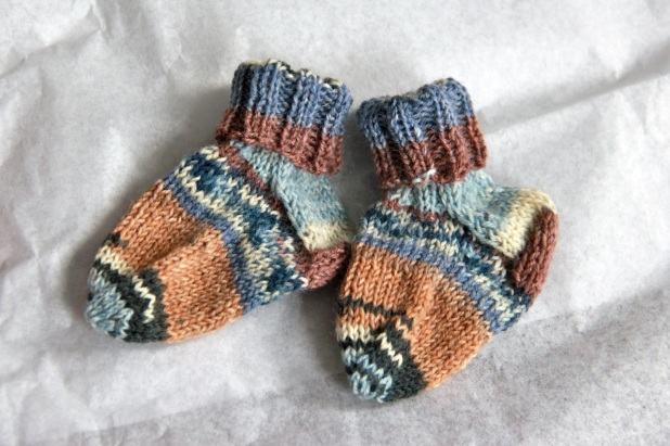 Baby Socks! From the free pattern by Kate Atherly. Click to go to the pattern.