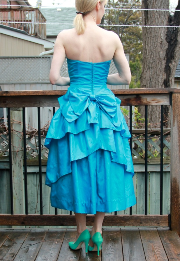 promdress_back