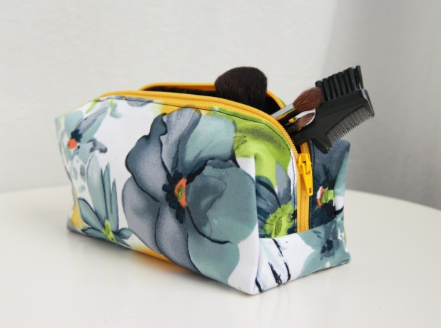 floral_cosmeticbag2