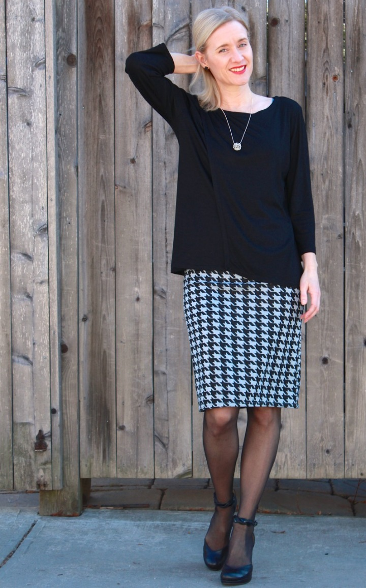 crossovertop&pencilskirt5