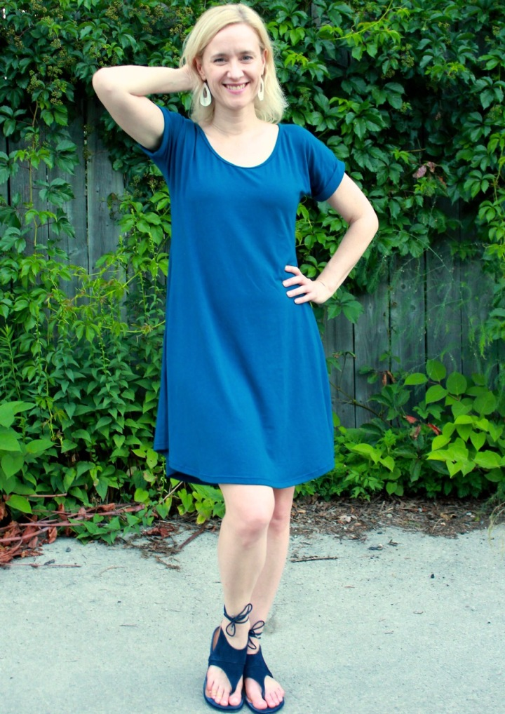 Frivolous at Last - Hey June Santa Fe dress hack