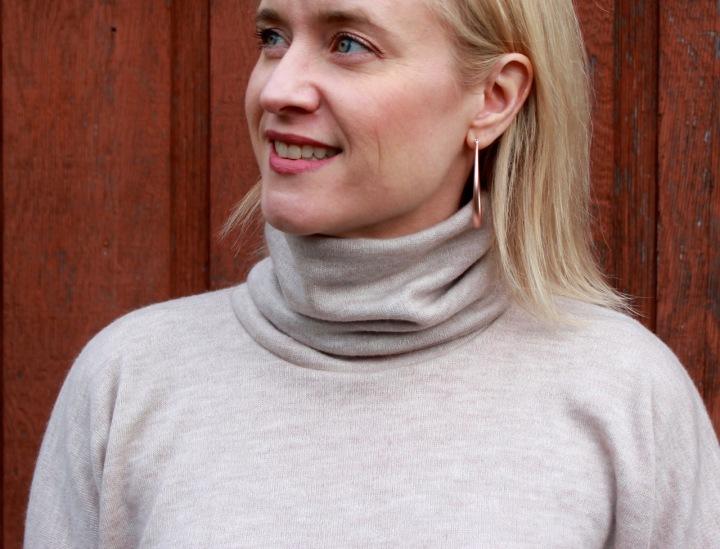 Frivolous at Last - Jalie Yoko Sweater