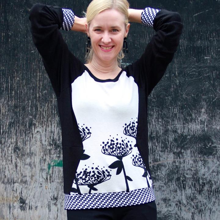 Frivoloust at Last - Simplicity 0315 Sweatshirt