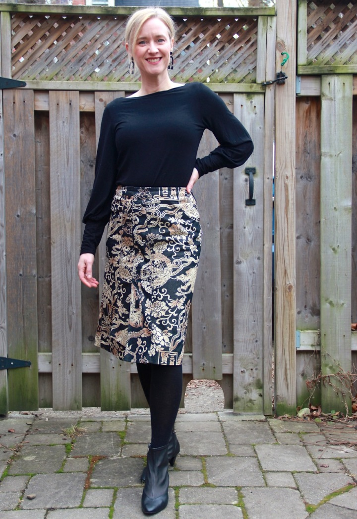 Frivolous at Last - Maven Patterns Somerset Top - black with bishop sleeves